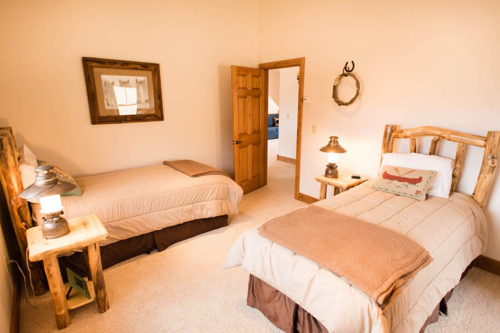Crested Butte Vacation Rental Upstairs bedroom with 2 twin beds