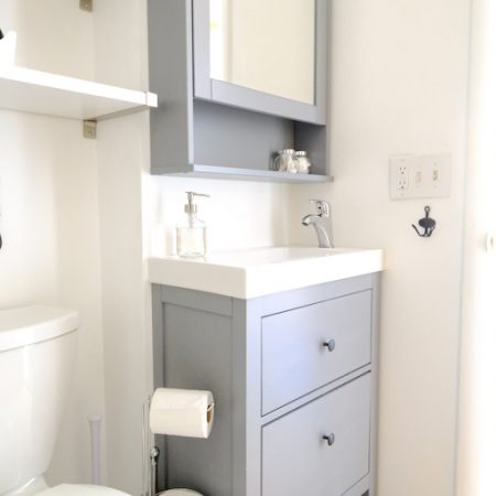 Quaint Winter Park Vacation Rental Bathroom